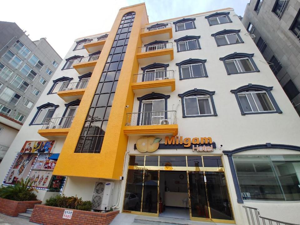 Отель Отель Milgam Central Hotel