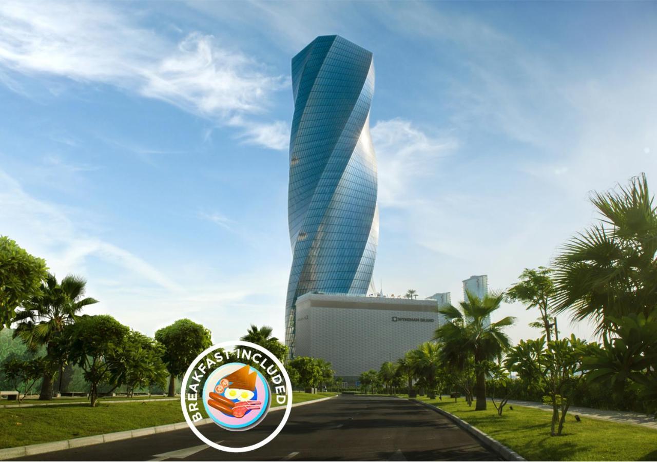 Отель  Отель  Wyndham Grand Manama