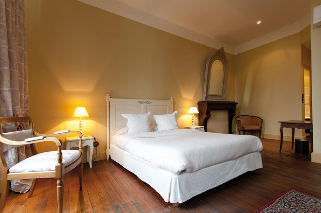 Отель  Hostellerie Du Coq D'Or