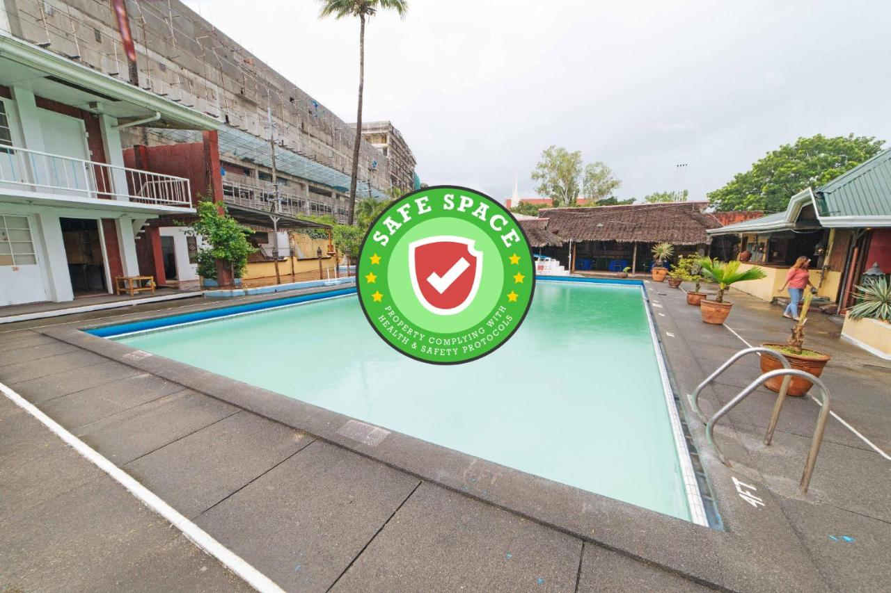 Отель  RedDoorz Premium @ Clarkview Angeles City  - отзывы Booking