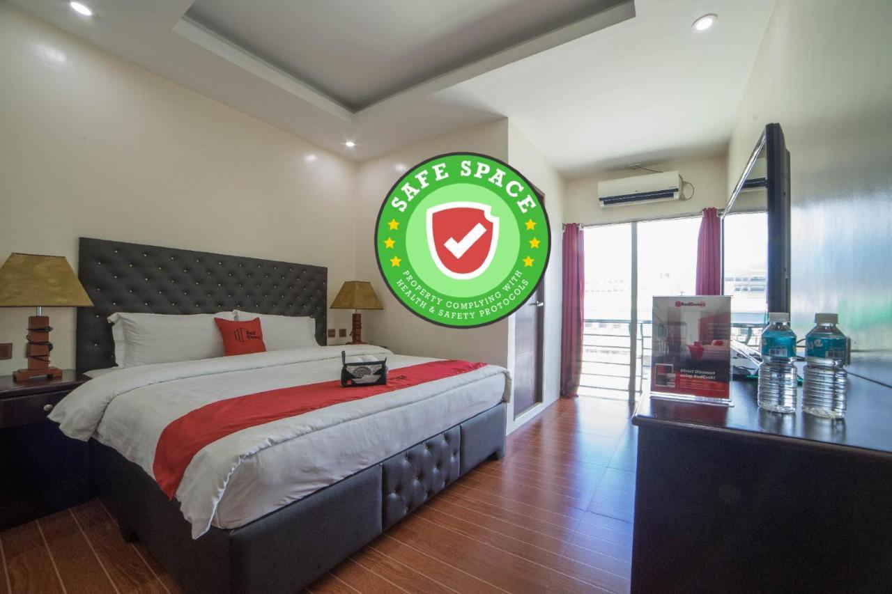 Отель  RedDoorz Plus @ Balibago Angeles City