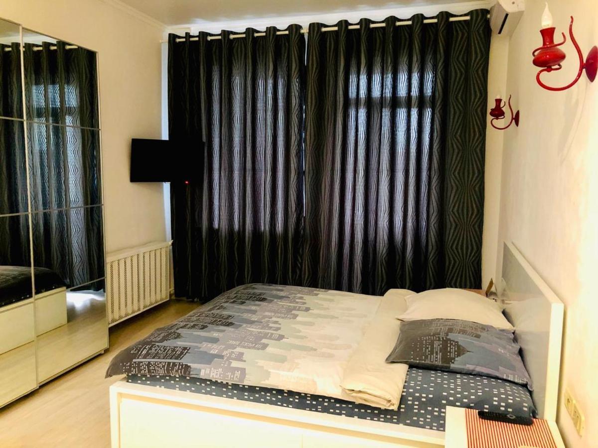 Апартаменты/квартира Red Room Luxe