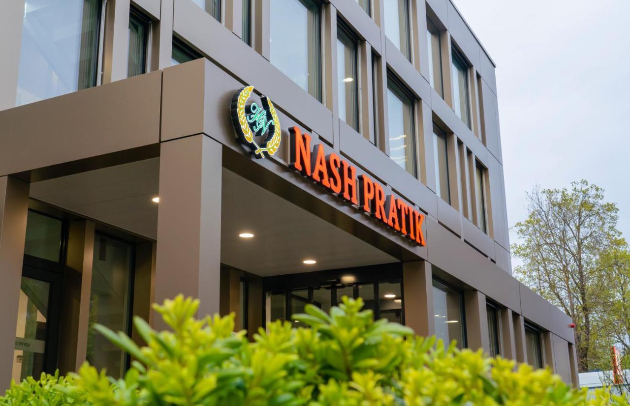 Отель  Отель  Nash Pratik Hotel
