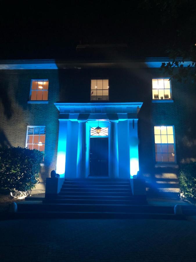 Апарт-отель  Mansion House Premium Apartments  - отзывы Booking