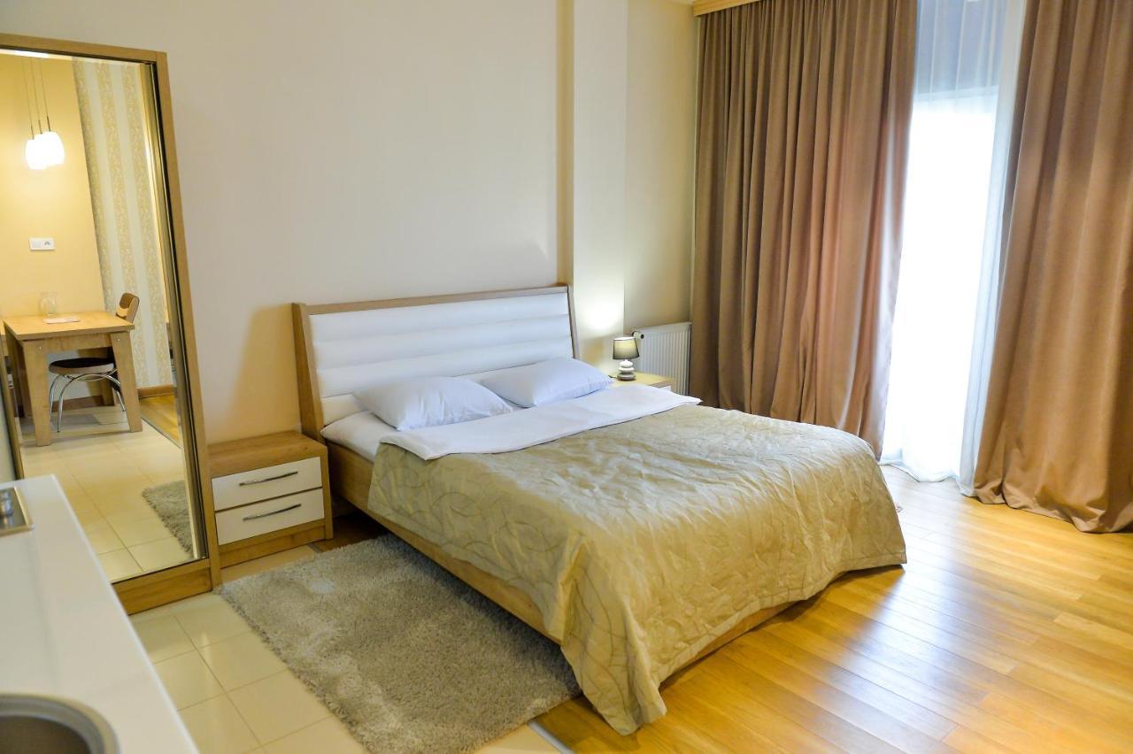 Отель  Happy Stay Hotel  - отзывы Booking