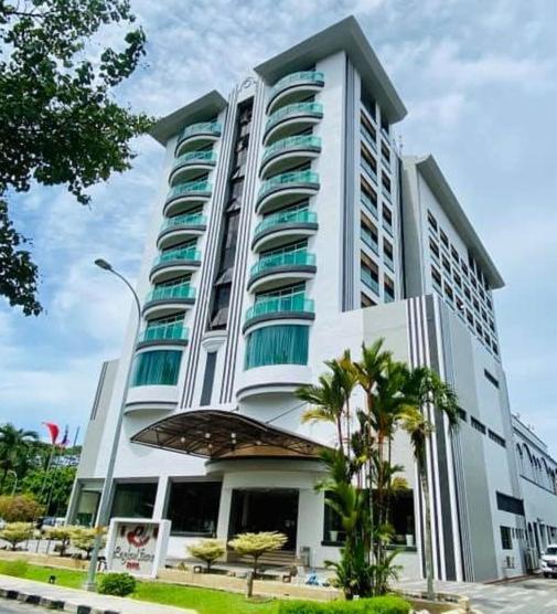 Отель  Langkawi Seaview Hotel  - отзывы Booking