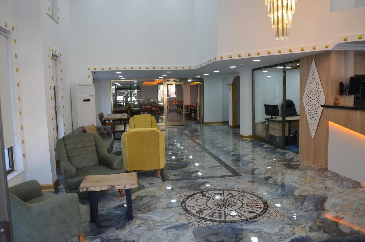 Отель  Отель  Piyes Otel