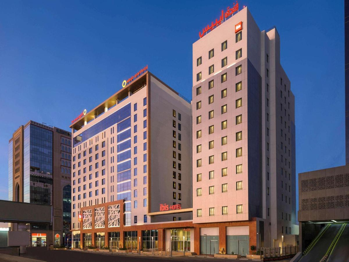 Отель  Отель  Ibis Jeddah City Center