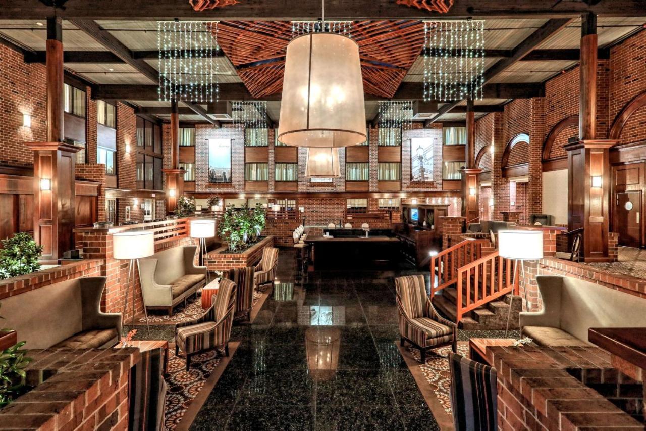 Отель  Отель  Best Western Premier The Central Hotel & Conference Center