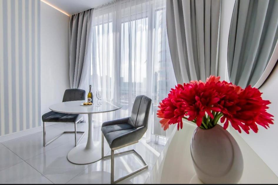 Апартаменты/квартира  New Apartment With Panoramic Window