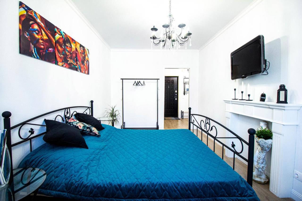 Апартаменты/квартира  Шикарная 1-к кв с дизайнерским интерьером