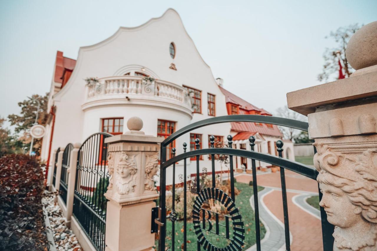Отель  Bahnhofs hotel  - отзывы Booking