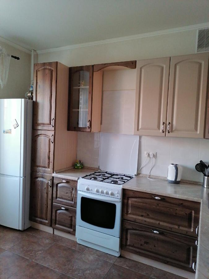 Апартаменты/квартира Двухкомнатная квартира возле МНТК им. Федорова (микрохирургия)