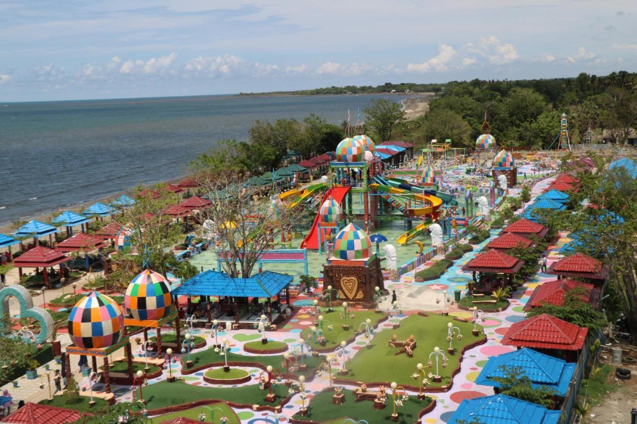 Resort Wisata Pantai Topejawa, Takalar, Indonesia   Booking.com