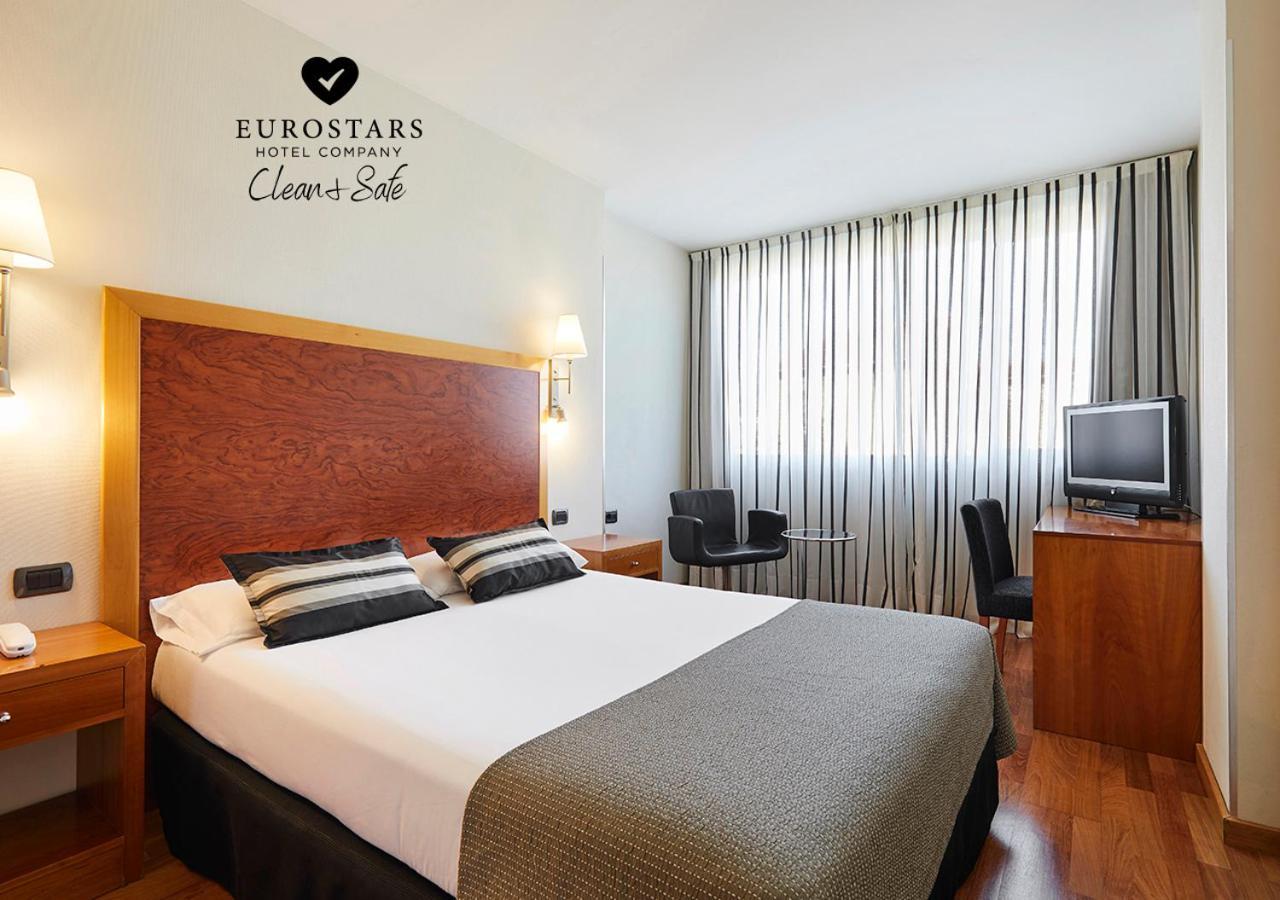 Отель  Exe Plaza Delicias