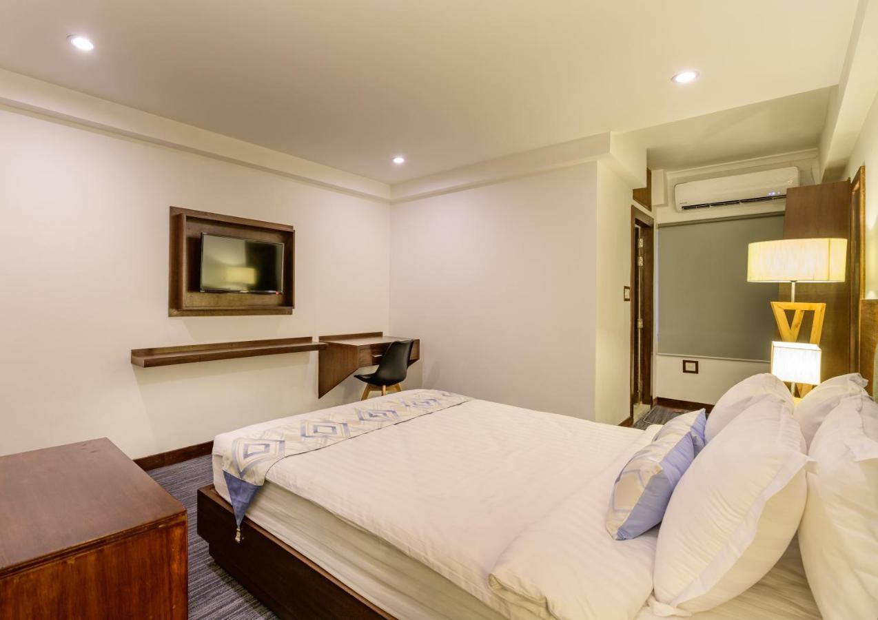 Отель  Hotel Zakaria International