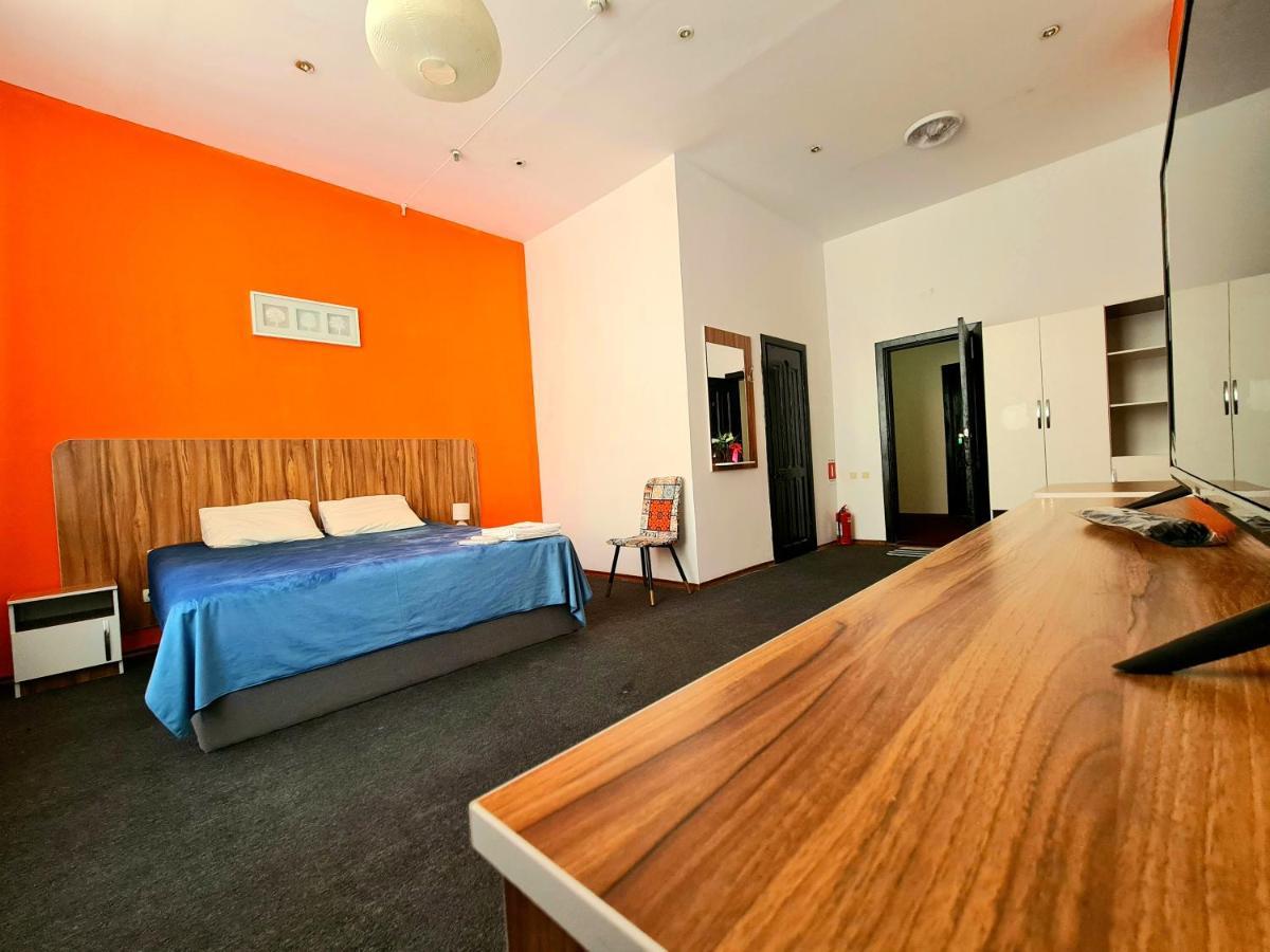 Отель  Отель  City Rooms Almaty