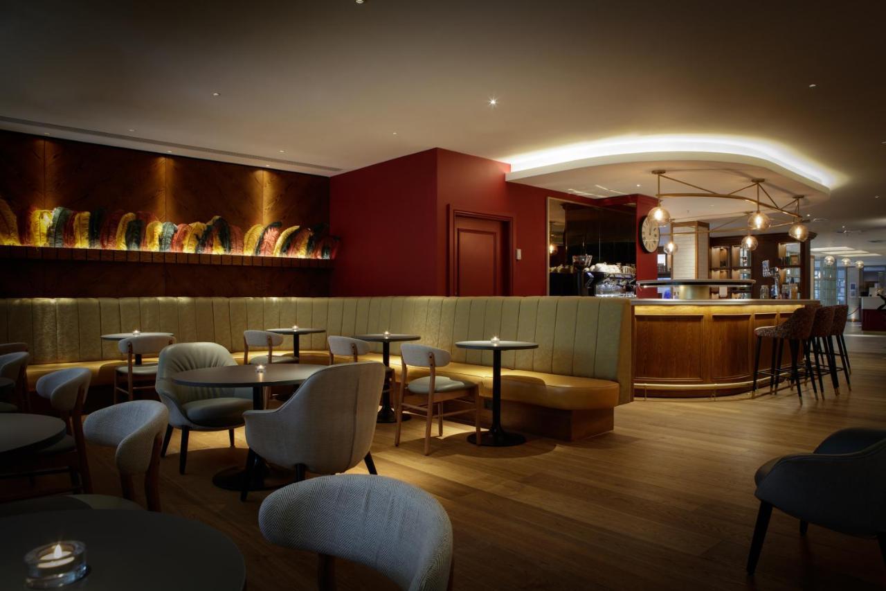 Отель DoubleTree By Hilton Bath