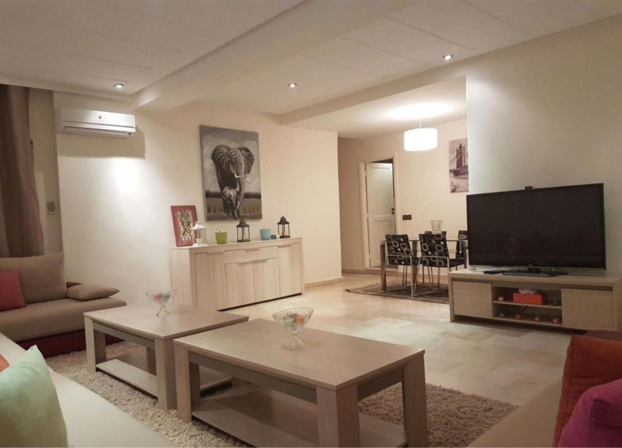 Апартаменты/квартира  Spacious Apartment Downtown  - отзывы Booking