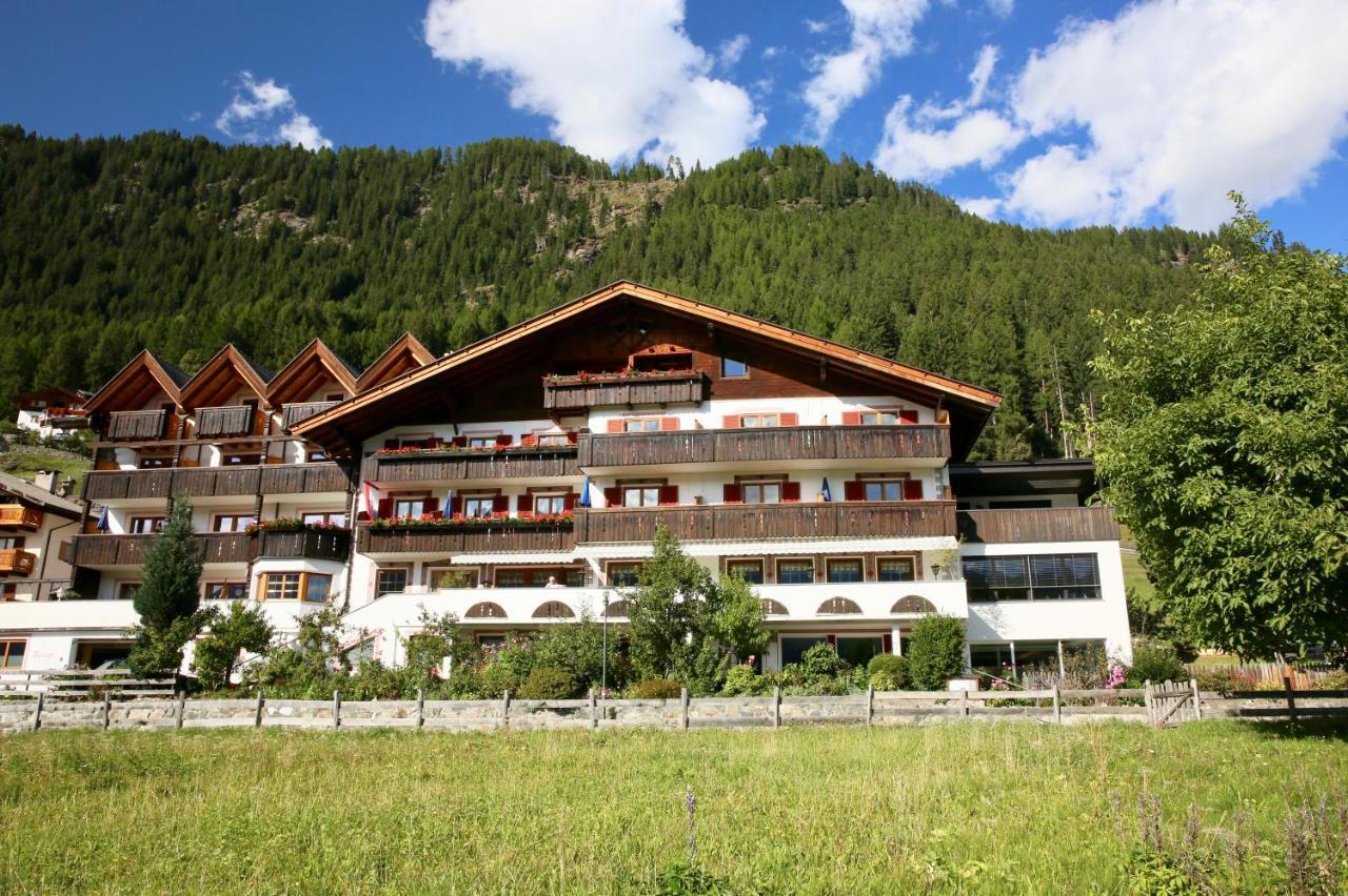 Отель  Wellness & Spa Hotel Alpenland