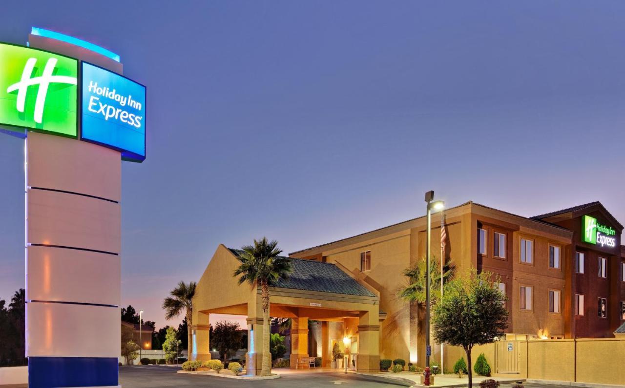 Отель  Отель  Holiday Inn Express Las Vegas-Nellis