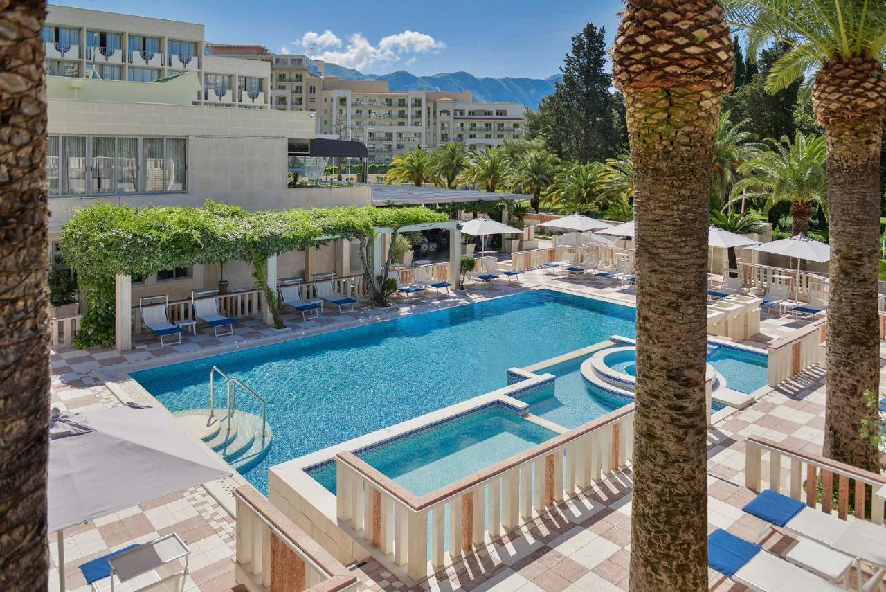 Отель  Mediteran Hotel & Resort