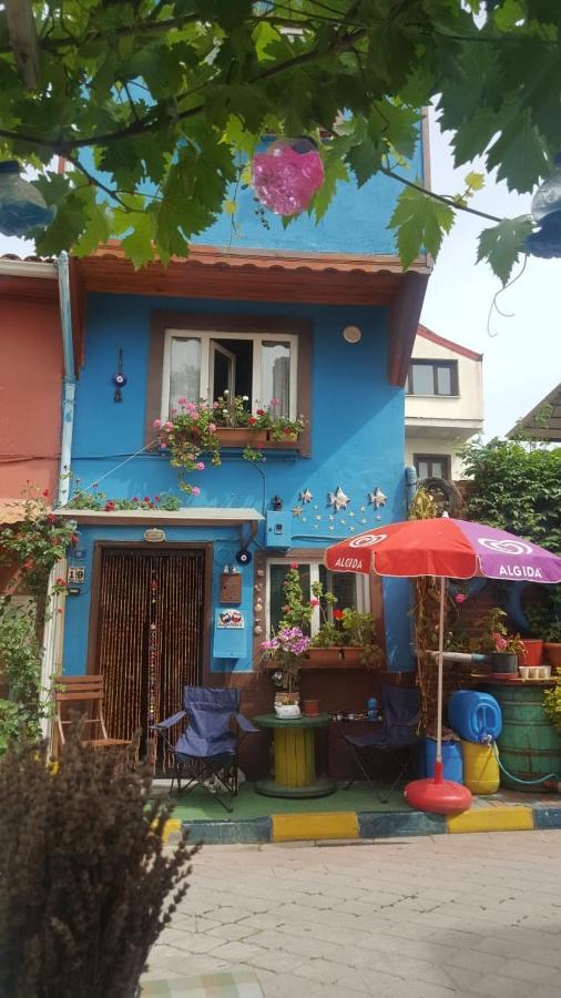 Проживание в семье  Mudanya'nın Tarihi Girit Mahallesinde Mavi Girit Evi