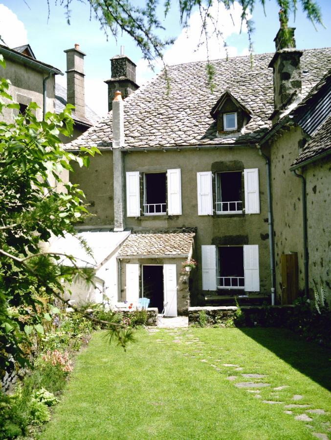 Отель типа «постель и завтрак» Chambre d'Hôtes La Maison de Barrouze - отзывы Booking