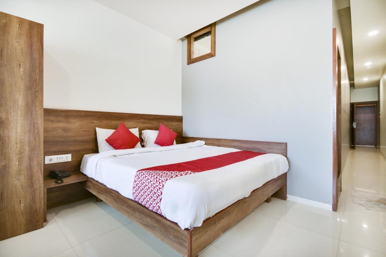 Отель  OYO 75868 Mahalaxmi Inn