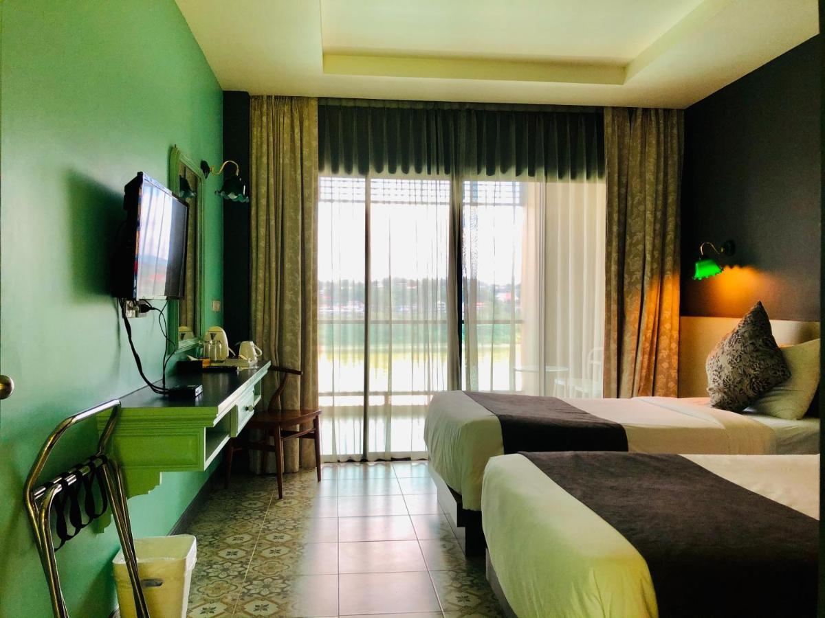Отель  Chiangkhong Teak Garden Riverfront Onsen Hotel  - отзывы Booking