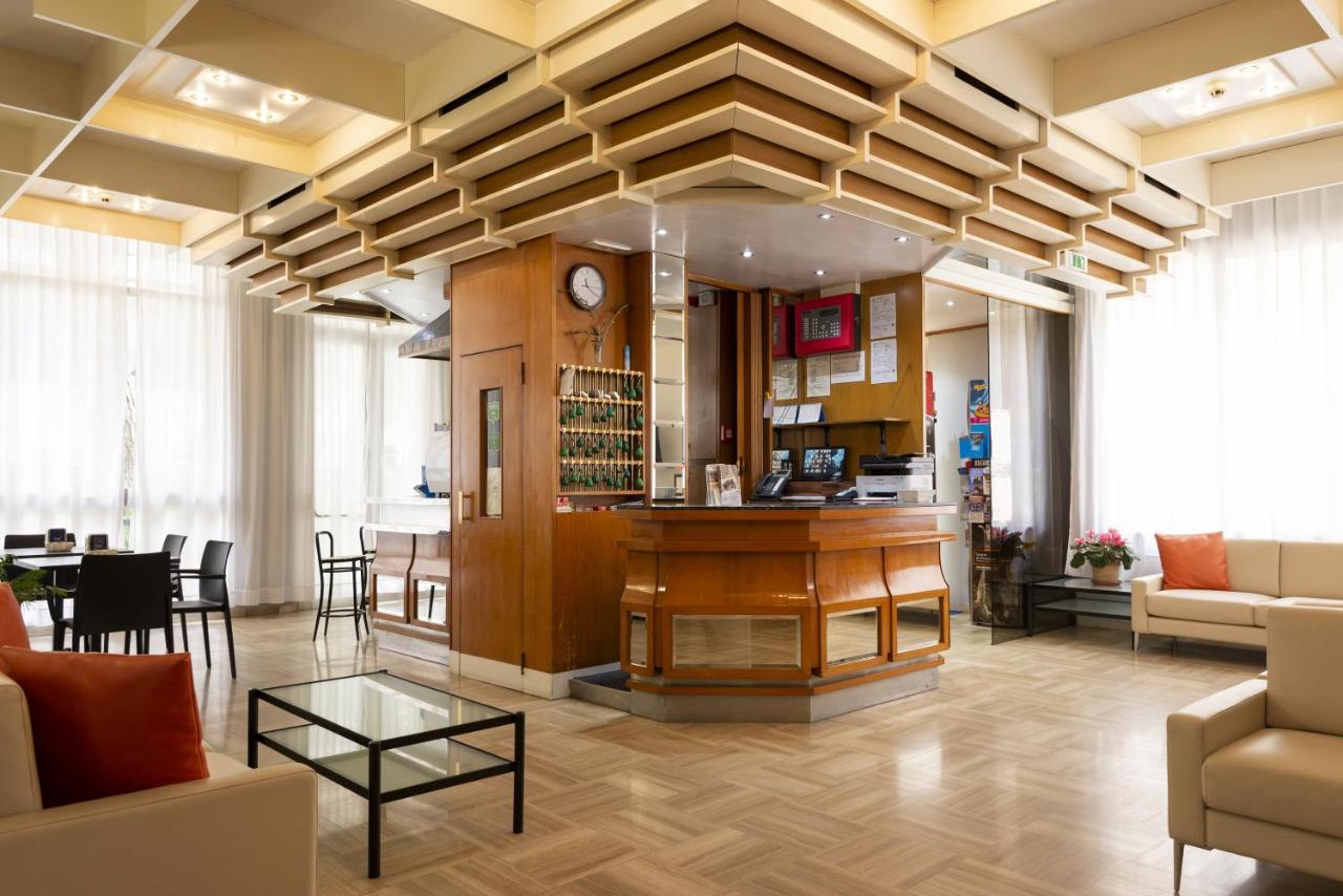 Отель  Hotel Milena  - отзывы Booking