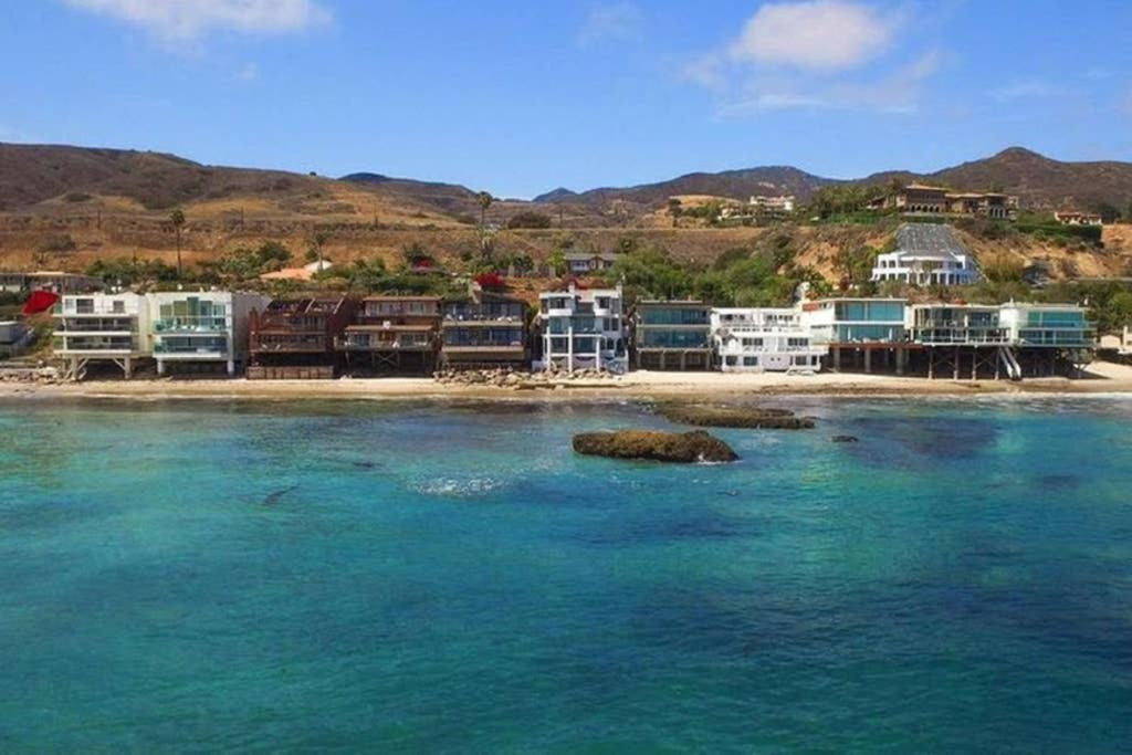 Дом для отпуска  Luxury Malibu Beachfront Home-Short Or Long-Term
