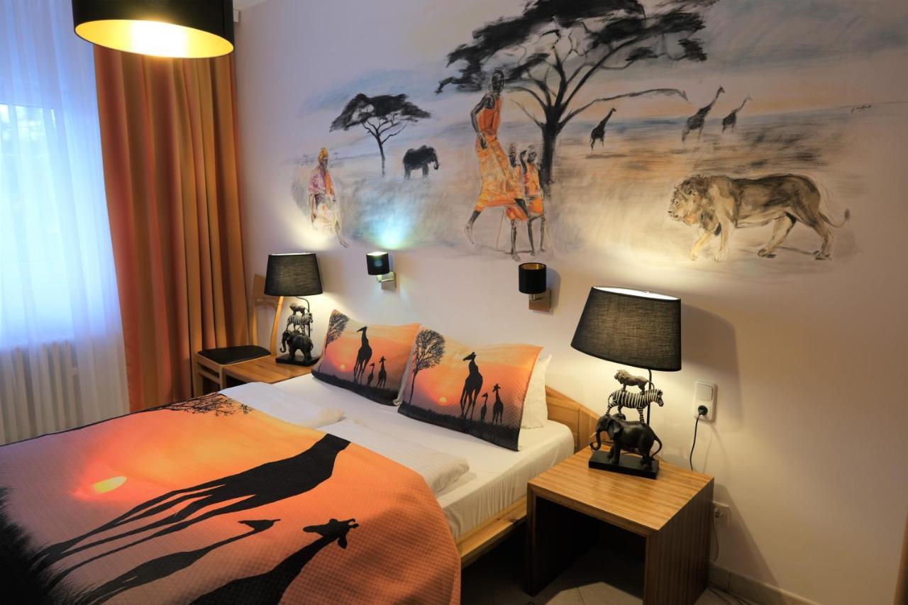 Отель  Отель  Hotel Engelbert