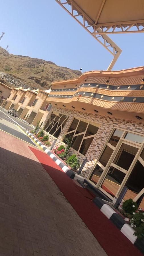 Курортный отель  Курортный отель  Byoutat Resort