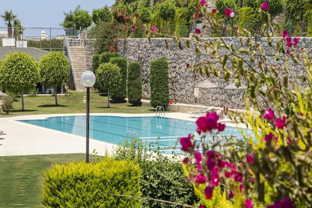Дом для отпуска  2 BR House With Sea View & Shared Pool In Bodrum