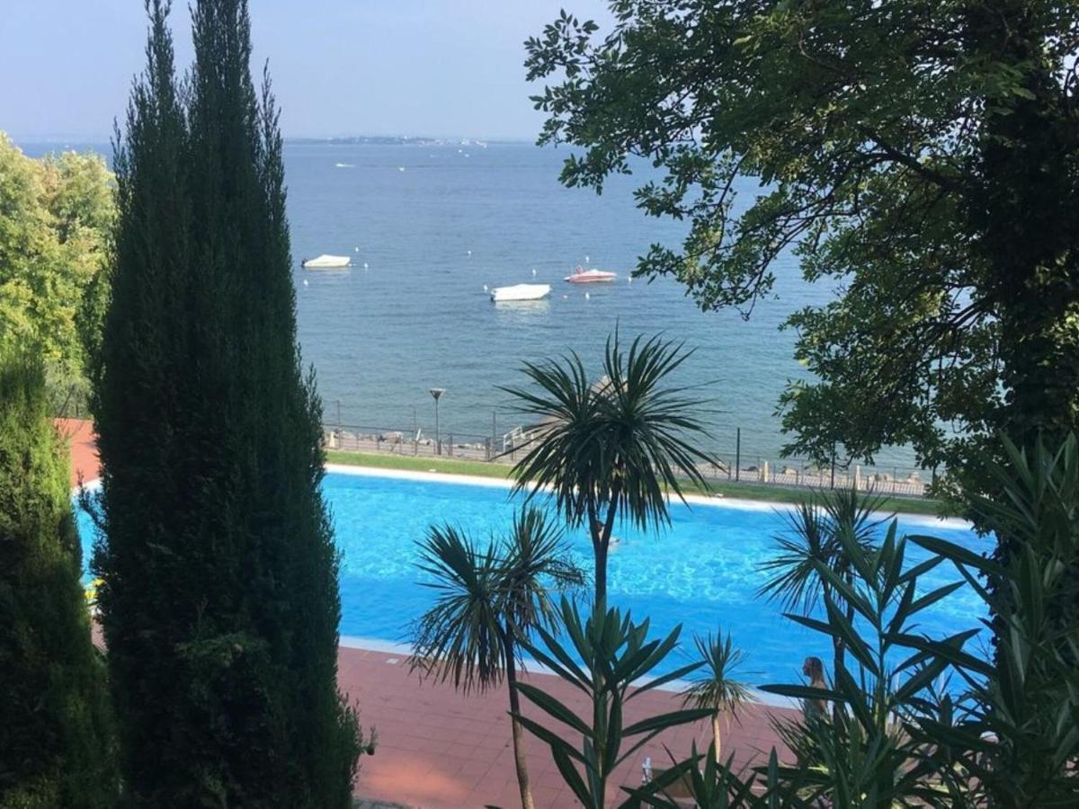 Апартаменты/квартира  Splendid Apartment In Padenghe Sul Garda BS With Garden