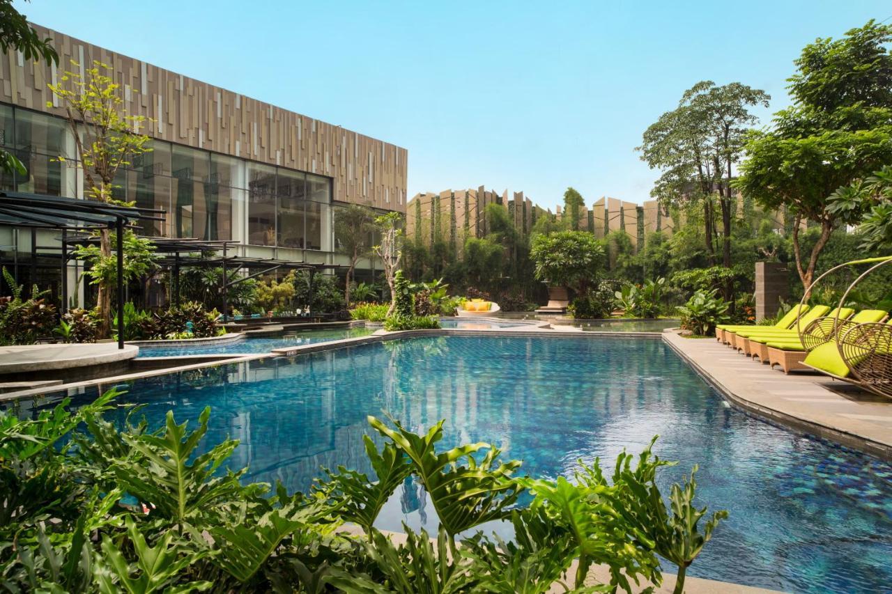 Отель  Holiday Inn Cikarang Jababeka, An IHG Hotel