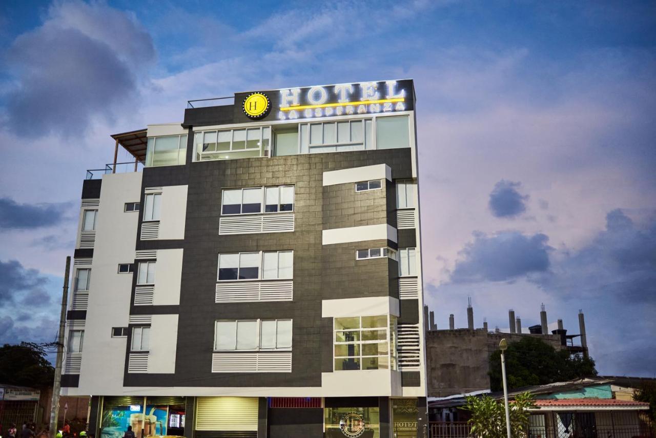 Отель  Hotel La Esperanza
