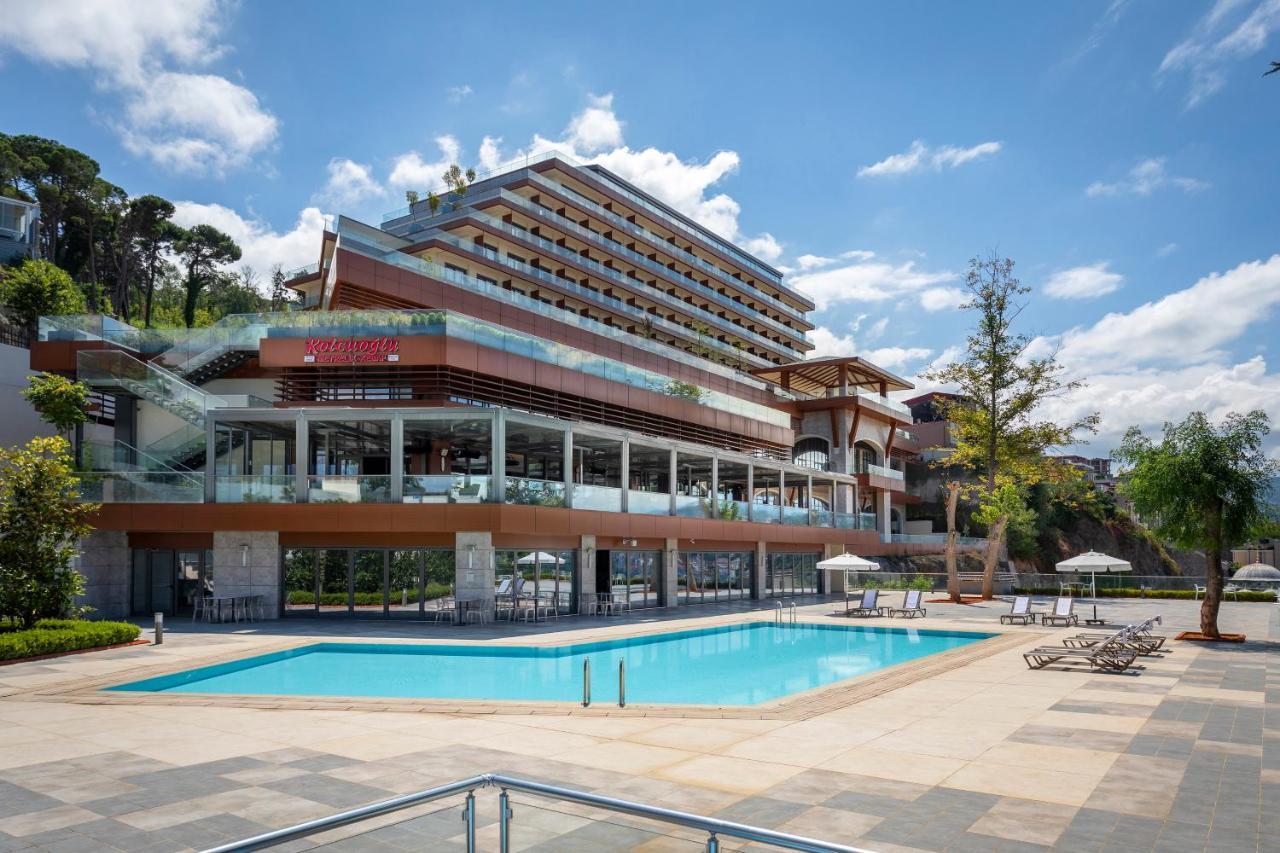 Фото  Отель  Radisson Blu Hotel Trabzon
