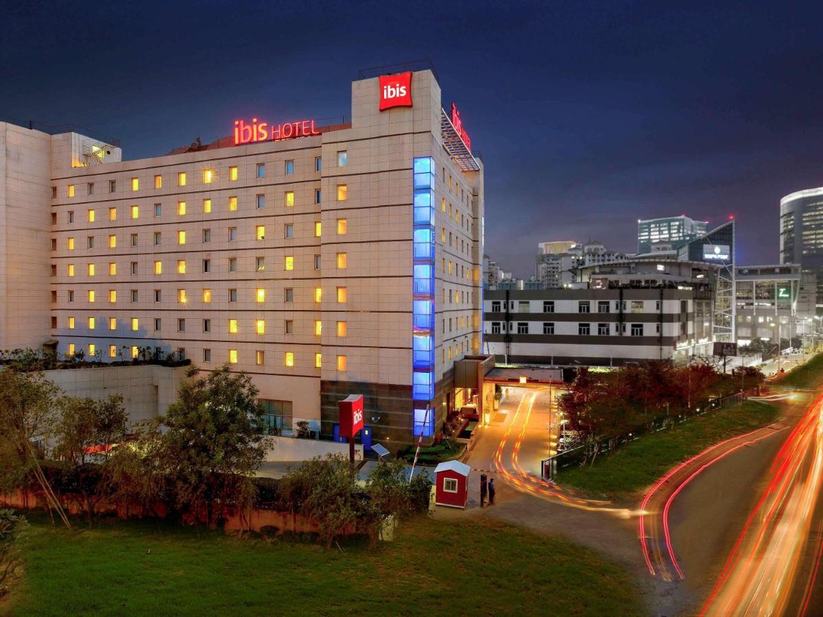 Отель  ibis Gurgaon Golf Course Road- An Accor Brand  - отзывы Booking