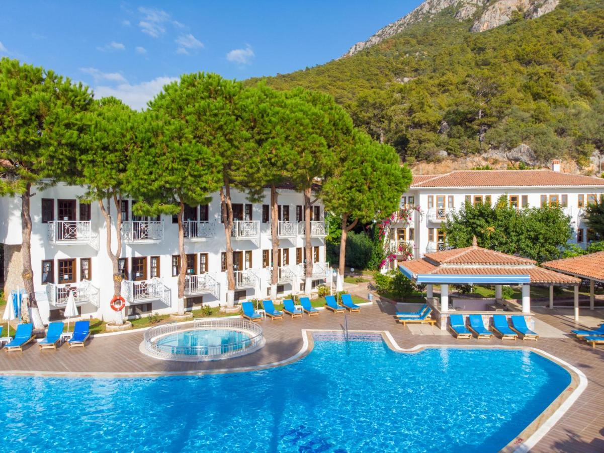 Отель  White Hotel  - отзывы Booking