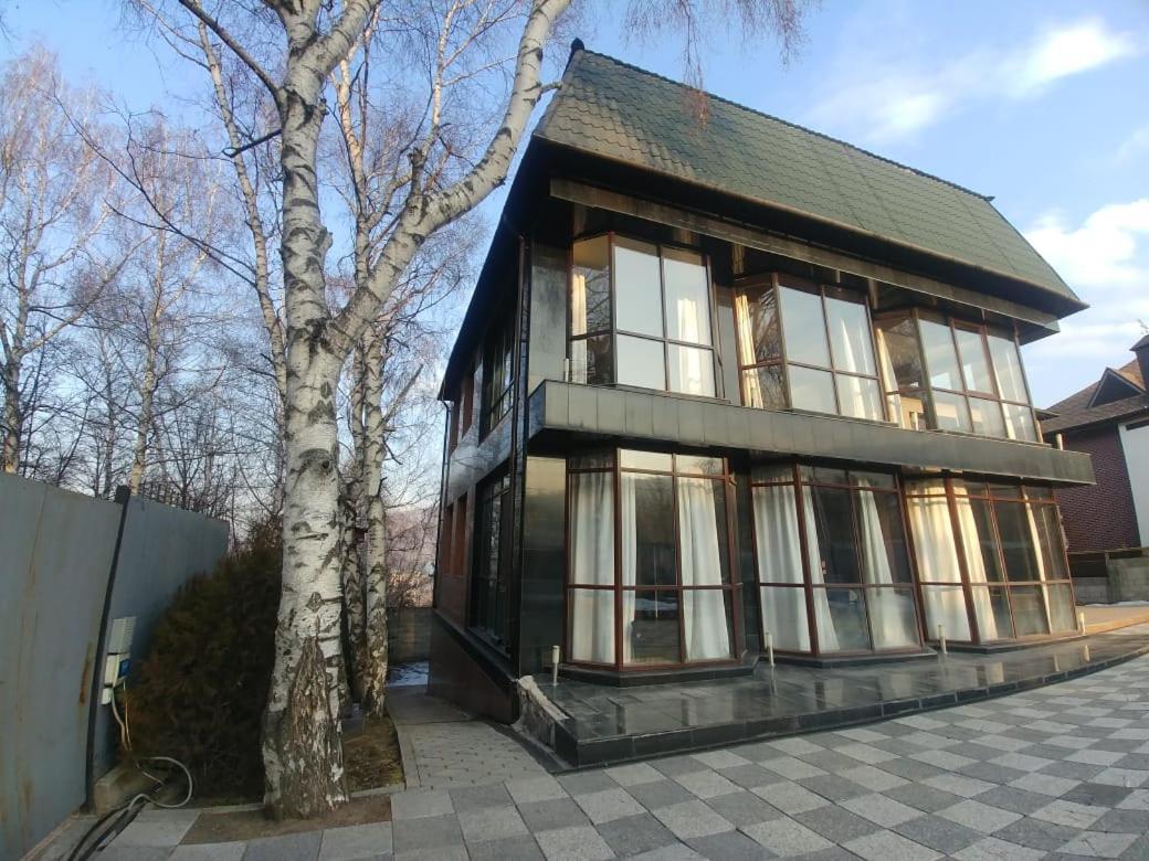 Вилла  Honey Apartments
