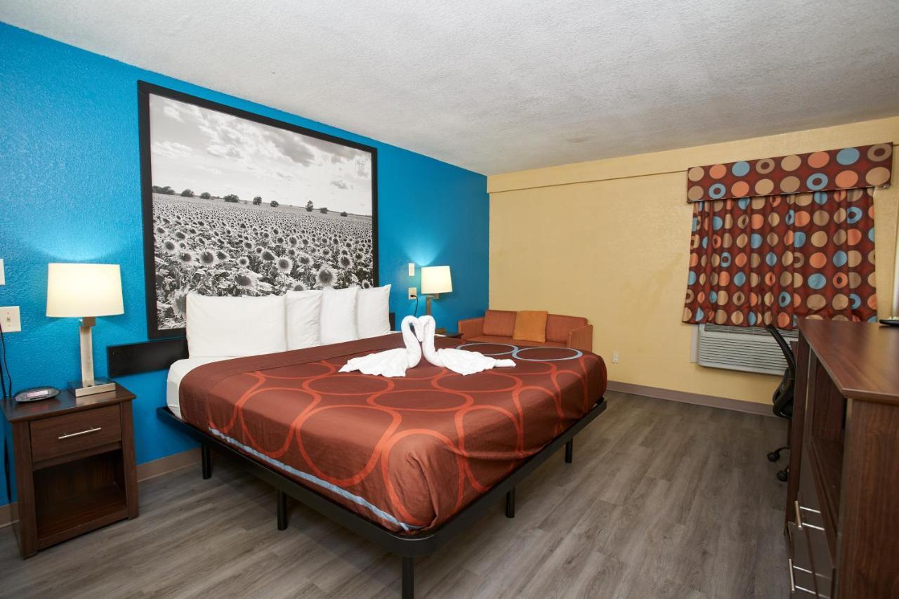 Мотель  Мотель  Super 8 By Wyndham Wichita Airport