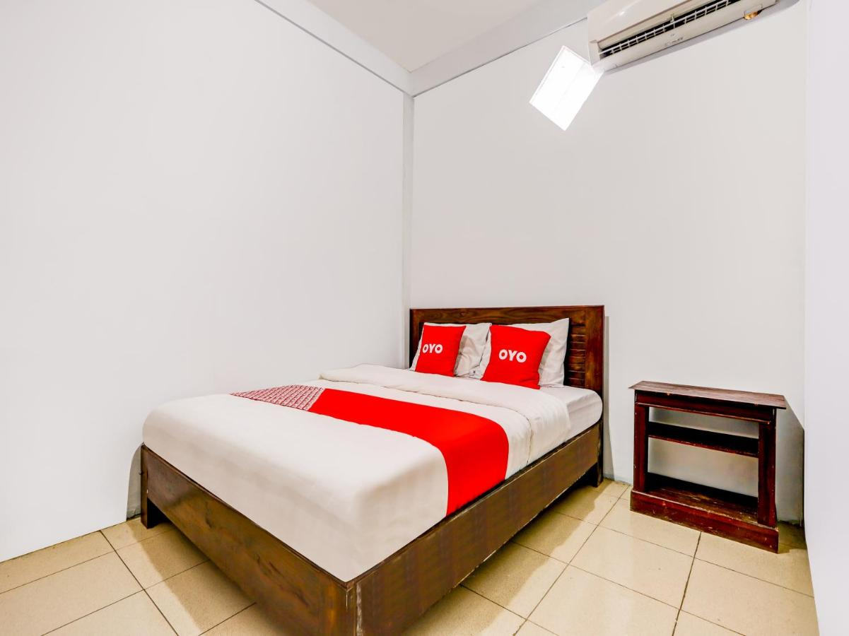 Отель  OYO 90051 Guest House Parangtritis