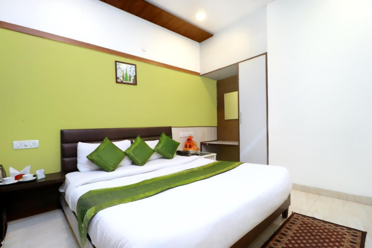 Отель  Hotel Seven  - отзывы Booking