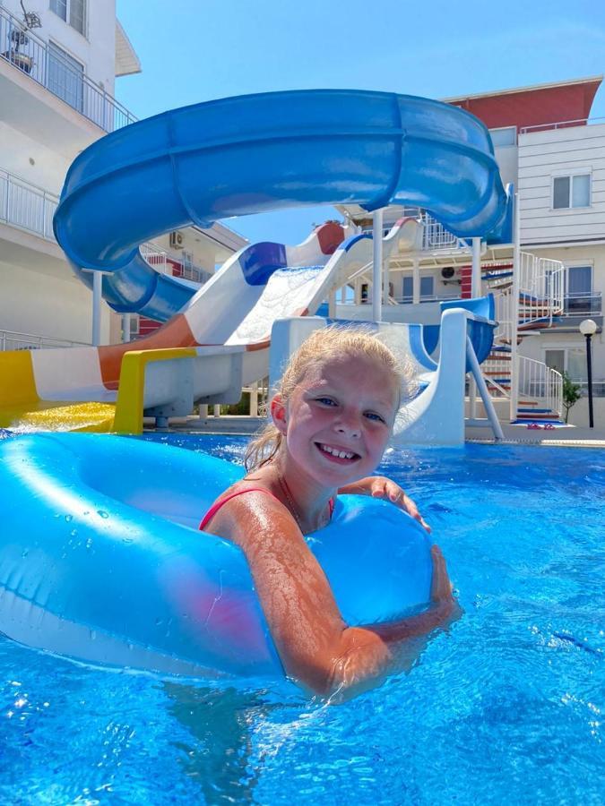 Апартаменты/квартира  Antalya belek nirvana club 3 - ground floor 3 bedrooms pool view with water slide close to center - belek beach park  - отзывы Booking