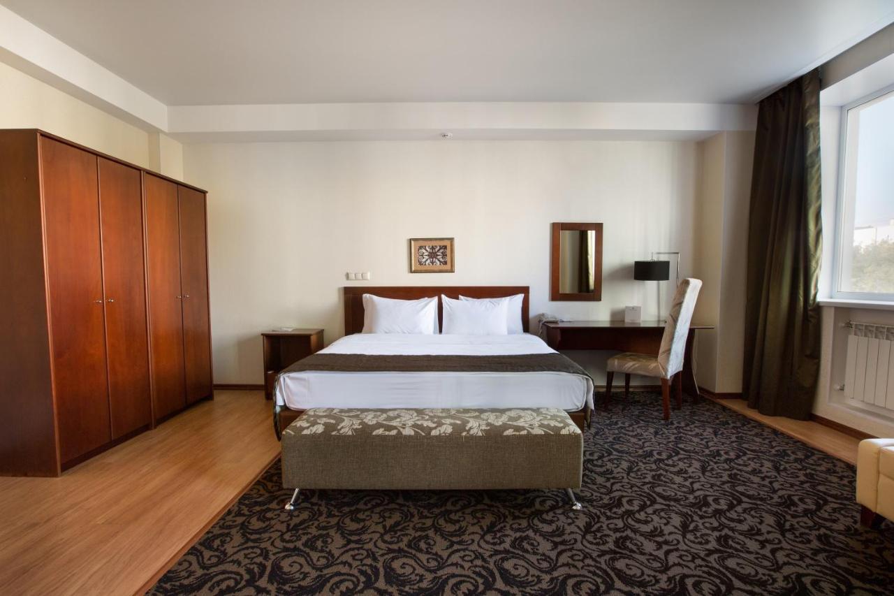 Отель  Benefit Plaza Hotel  - отзывы Booking