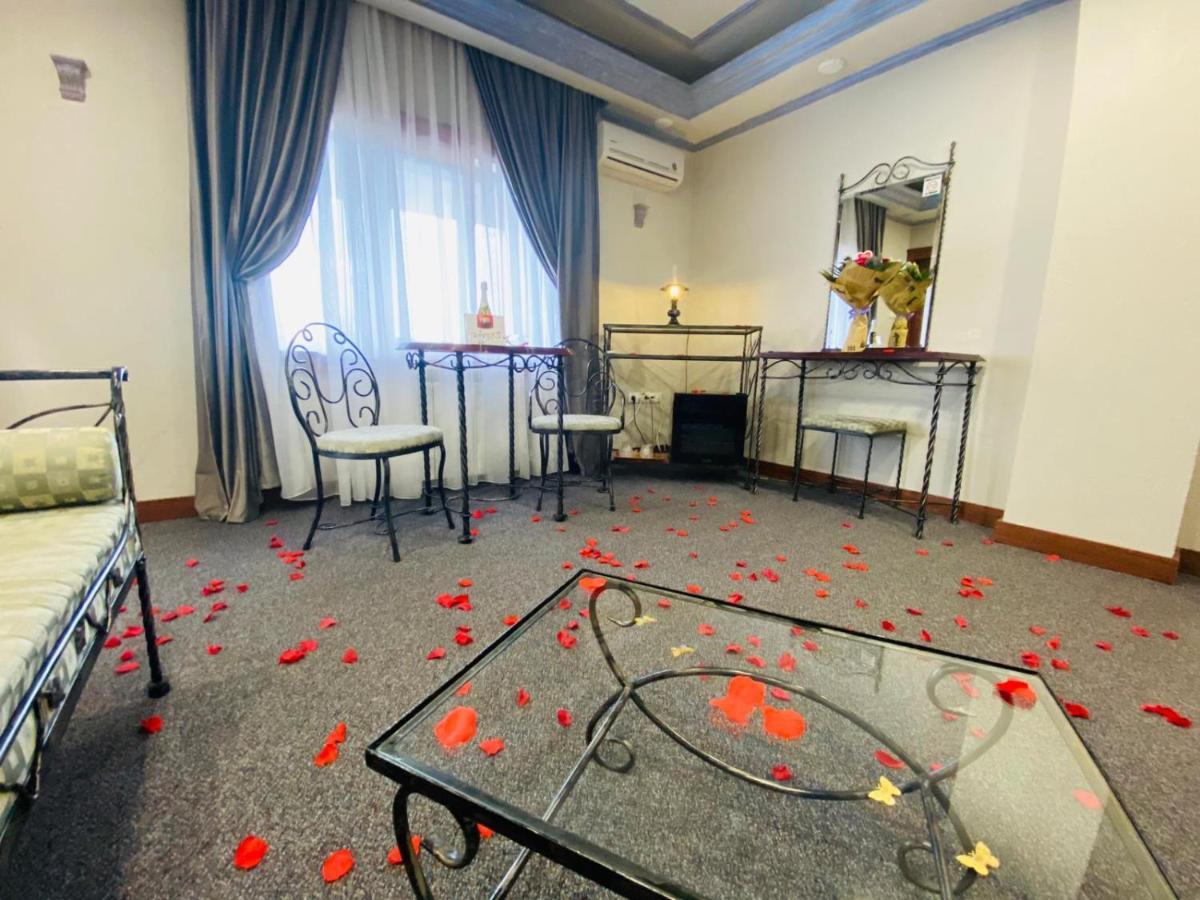 Отель  Predeal Comfort Suites