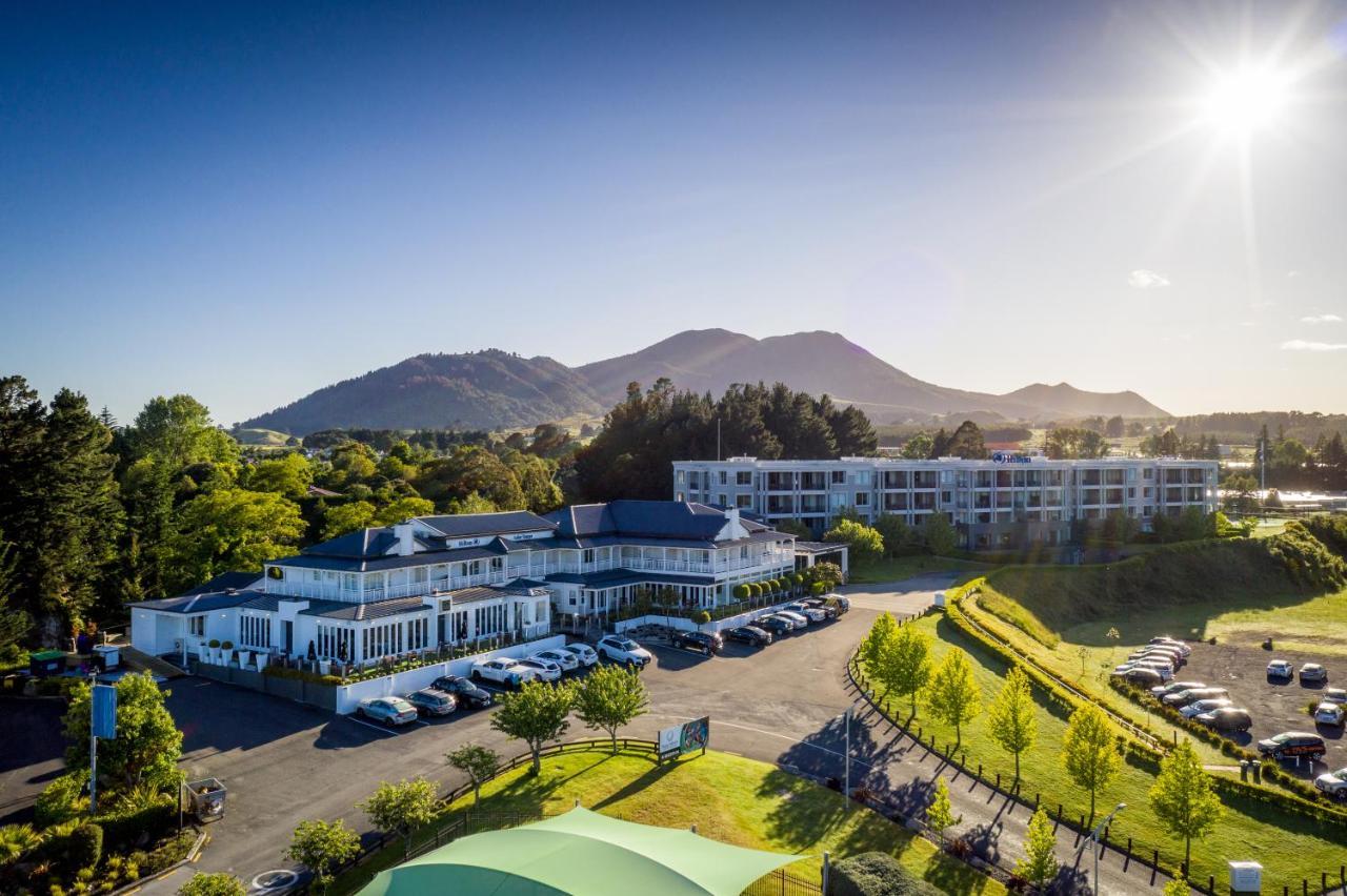 Отель Hilton Lake Taupo