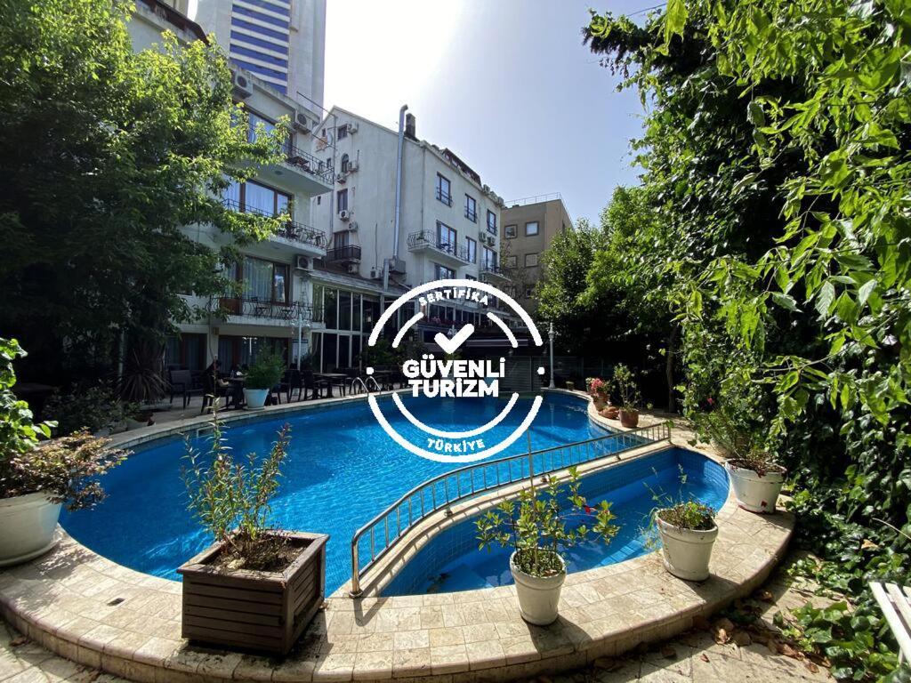 Отель  Villa Blanche Hotel & Garden Pool and Spa  - отзывы Booking